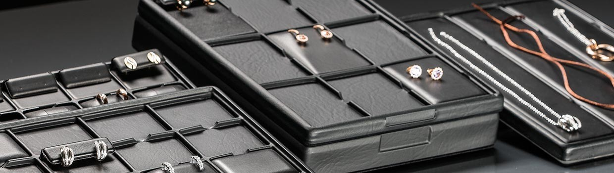Jewellery trays with compartment